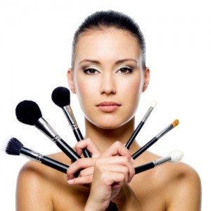 beauty-makeup-brushes-resize-153755712.jpg.pagespeed.ce.IyjTYGaam8